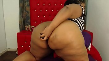 Exotic ebony BBW with a huge black bouncing onion booty